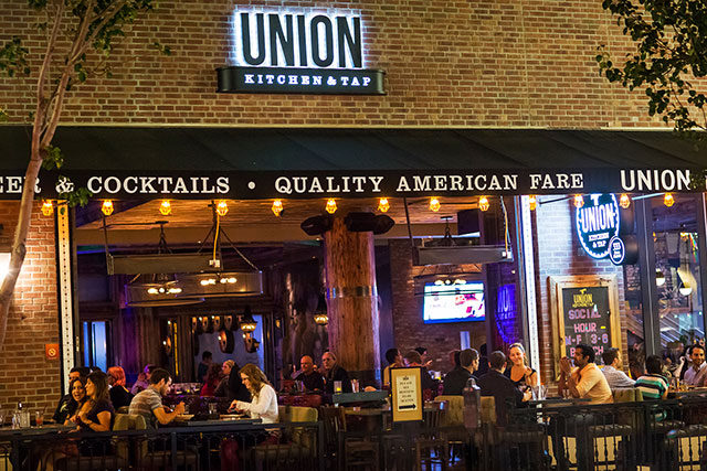 The-Union-whiskey-bar-entrance